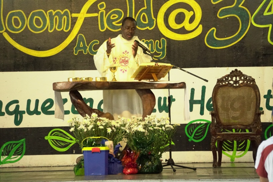 Bloomfield Academy Opens the School Year with the Holy Spirit Mass